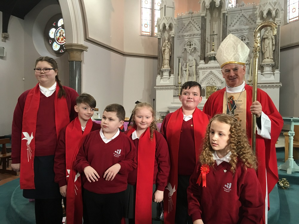 Picture of pupils who were confirmed