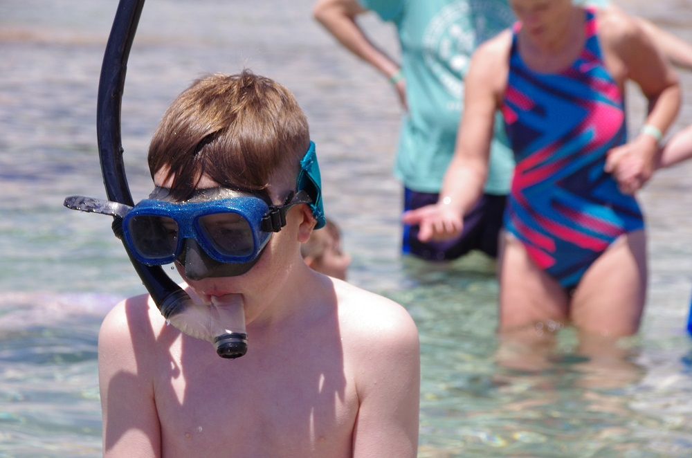 Picture of a pupil in a snorkel mask