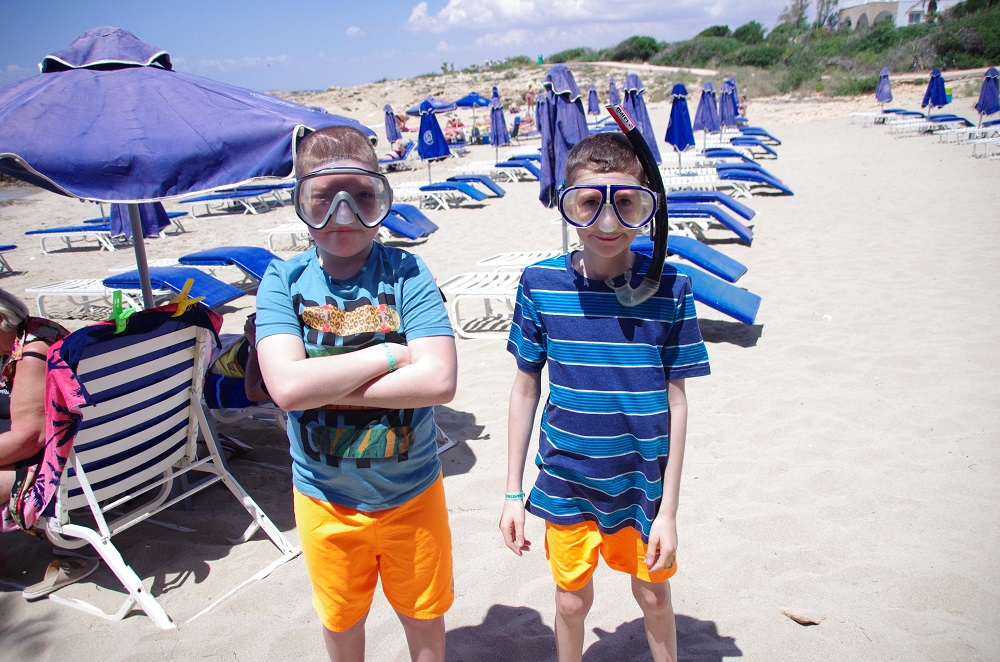 Picture of two pupils in a snorkel mask